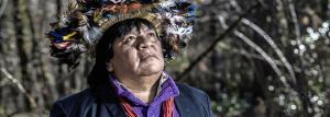 Almir Narayamoga Suruí, 42 ans, chef d'une communauté de 1500 âmes dans l'Etat du Rondônia au Brésil, se bat depuis 2005 avec Aquaverde contre la déforestation. (Photo: Jean Revillard / Rezo)