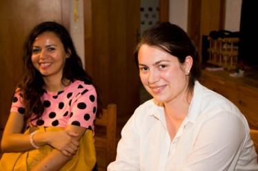 Lory Loulou et Eleonor Hernández parlent toutes deux couramment français et portugais-brésilien.